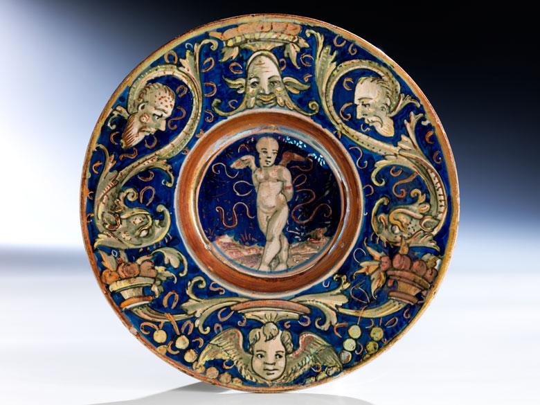 Majolika-Tondino wohl aus der Werkstatt des Maestro Giorgio Andreoli oder Maestro D , Domenico di Tommaso