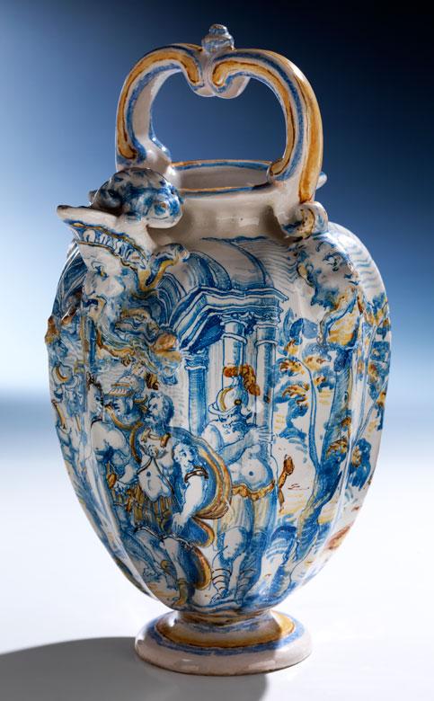 Majolika-Bügelkanne wohl aus der Bottega dei Bettisi