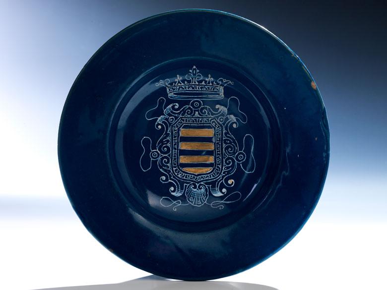 Majolika-Teller mit Wappen