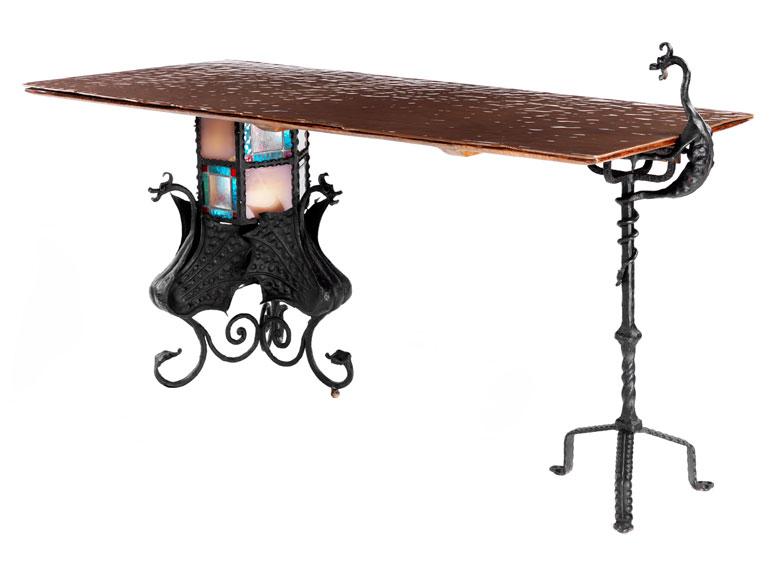 Tisch nach Entwurf von Antonì Gaudi, 1852 – 1926