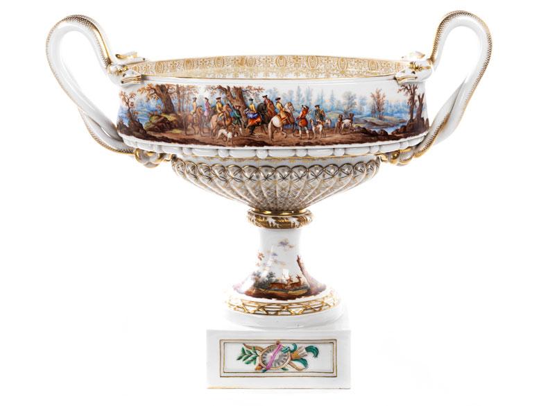 Große, querovale Ziervase im Louis XVI-Stil