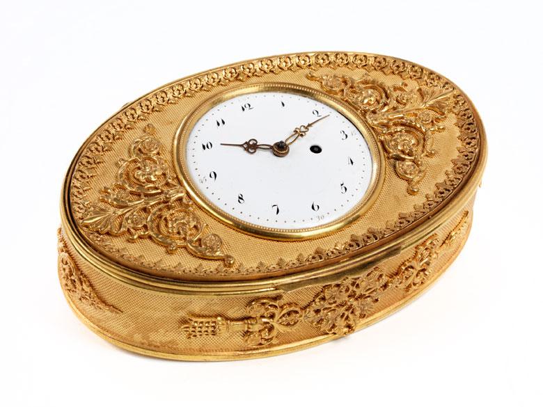 Schmuckdose mit integrierter Uhr