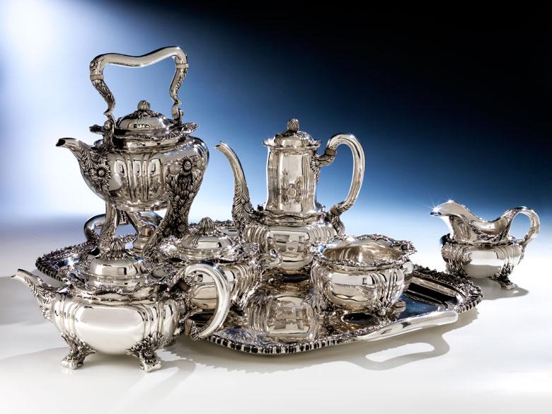 Großes Tiffany-Kaffee- und Teeservice im Chrysanthemum-Design