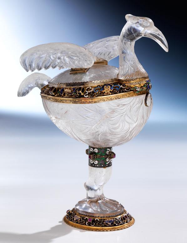 Bedeutendes Tischgefäß in Bergkristall und Silber des Wiener Historismus