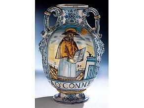 Große Majolika-Vase