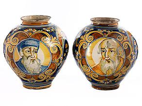 Paar große Majolika-Vasen