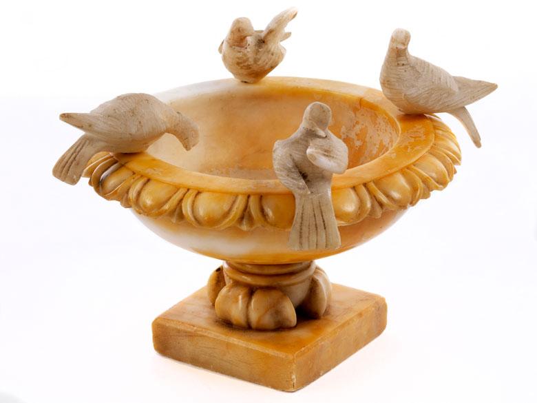 Marmor-Tazza mit Tauben