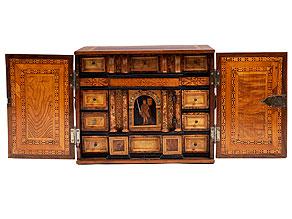 Intarsiertes Kabinettkästchen