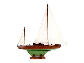Modell eines Segelbootes