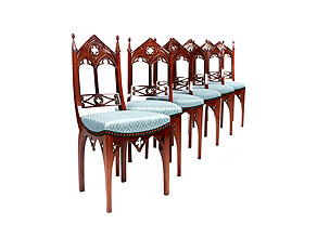 Satz von sechs feinen, neugotischen Stühlen
