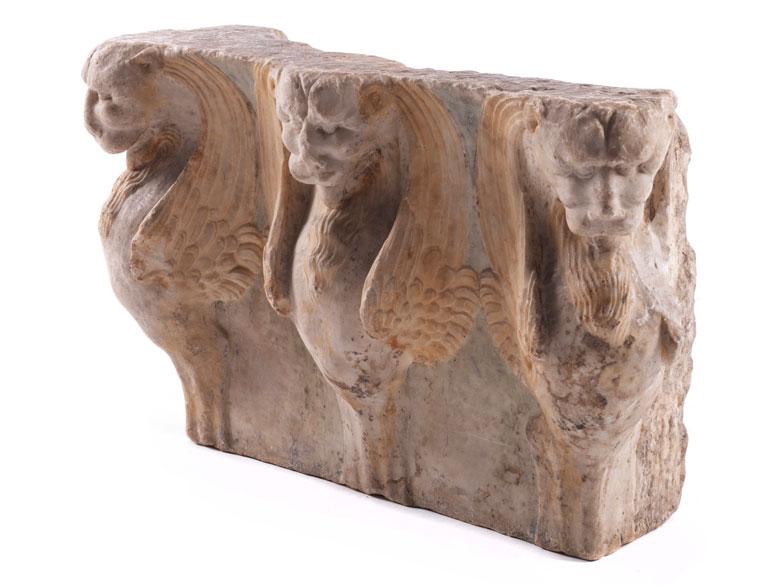 Bedeutendes römisches Lisenenkapitell in Marmor