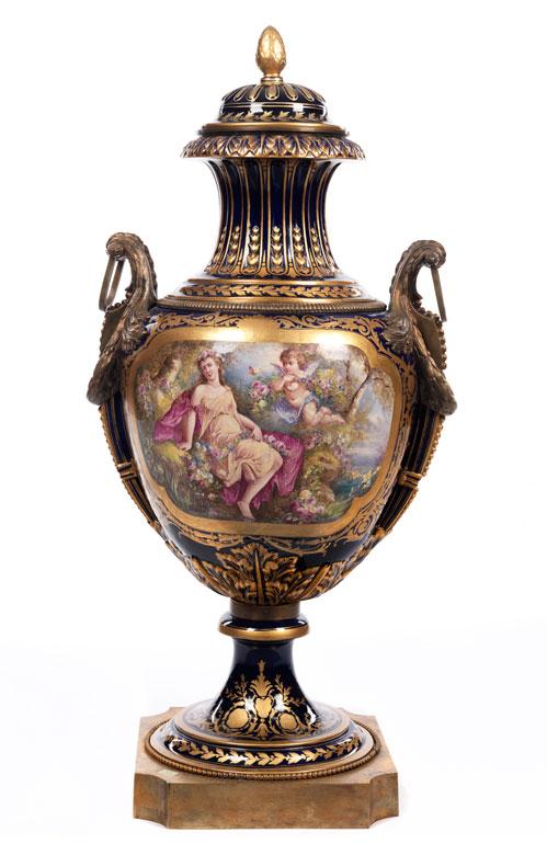 Große Email-Vase