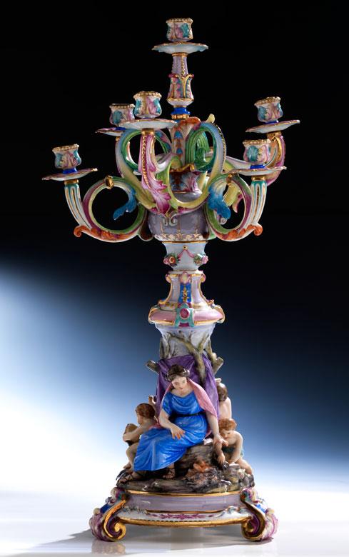 Figürlicher Porzellan-Kandelaber