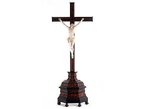 Altarkreuz mit Elfenbein-Corpus