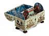 Detail images: Äußerst seltene, kleine, barocke Nähschatulle mit Chinoiserie-/ Lackmalerei und handgeschnitzten Figürchen
