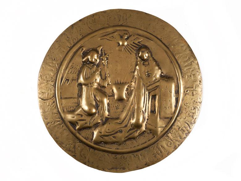 Messingtondo mit Darstellung der Marienverkündigung