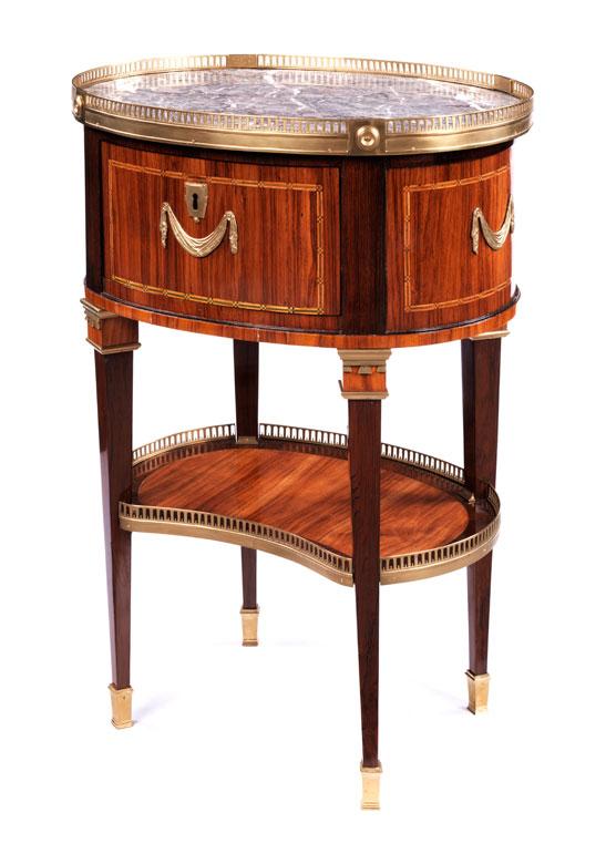 Eleganter kleiner Salontisch gestempelt Etienne Avril, 1748 - 1791, Meister 1774