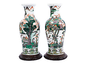Paar große Famille verte-Vasen