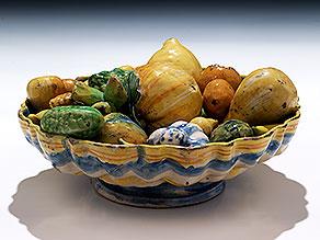 Seltene Majolika-Crespina mit Früchten aus der Werkstatt des Enea Utili