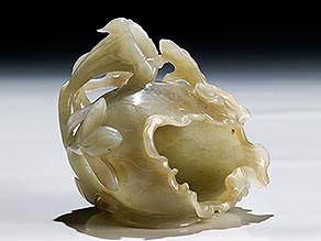 Jadegefäß in Form einer Lotusblüte