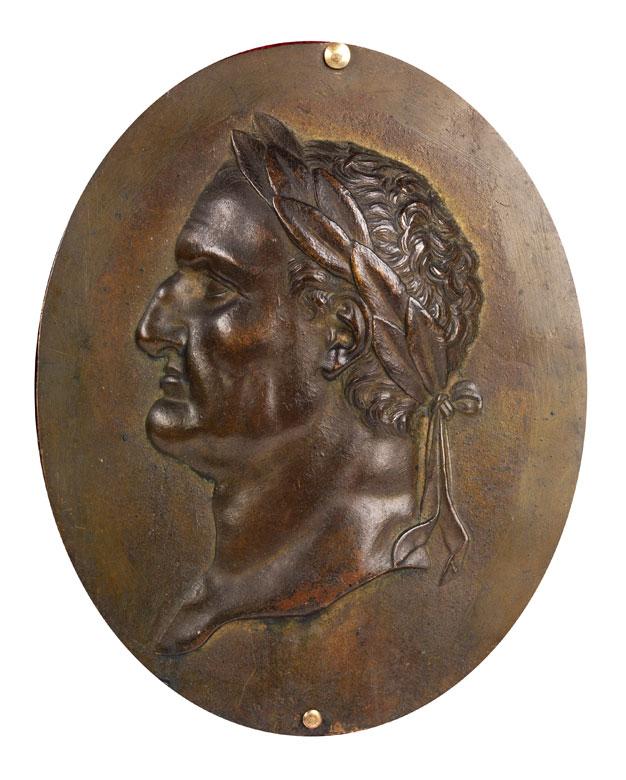 Bronzeplakette mit Imperatorenbüste im Relief