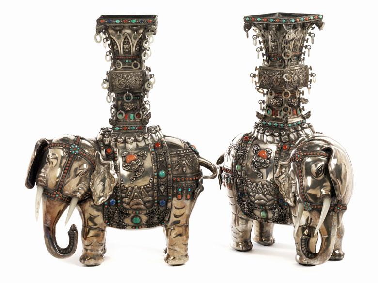 Paar Silberelefanten