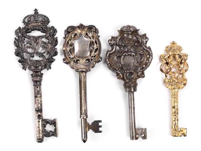 Konvolut von vier Schlüsseln
