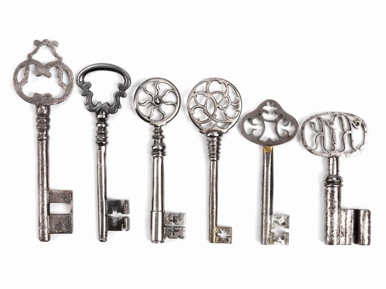 Konvolut von sechs Schlüsseln