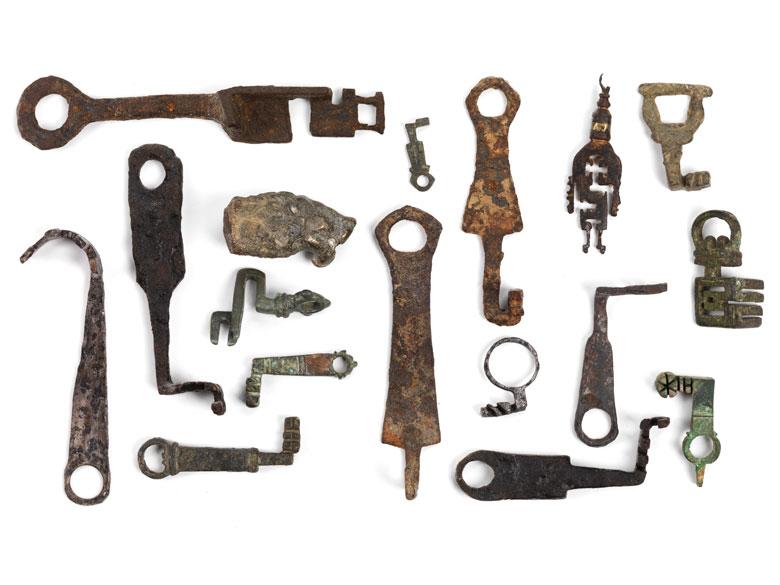17-teiliges Konvolut Ausgrabungen