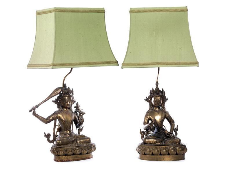Paar Buddhas als Lampen