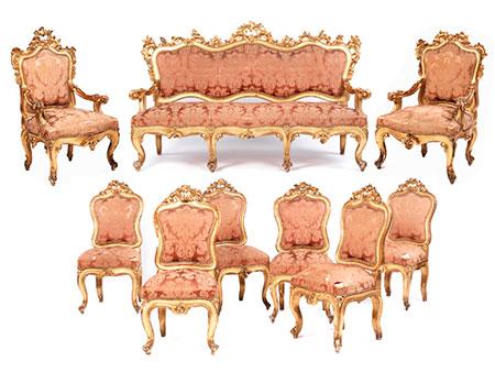 Große Sitzgruppen im Rokokostil