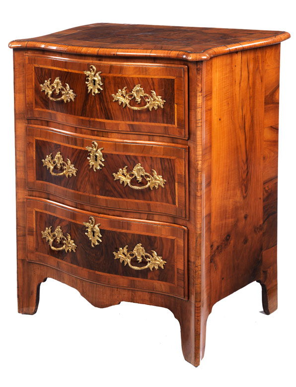 kleine barock kommode hampel fine art auctions. Black Bedroom Furniture Sets. Home Design Ideas