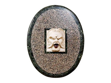 Medaillon mit Mascherone