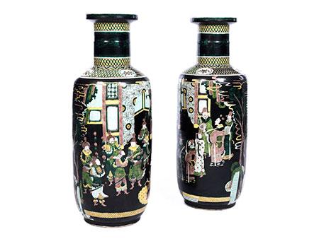 Paar große Famille noire-Vasen