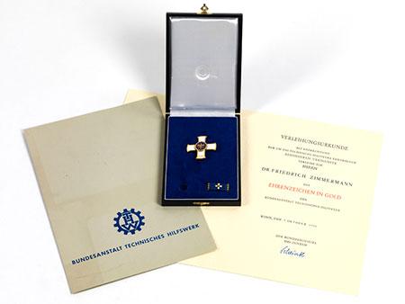 Ehrenzeichen in Gold des THW für Dr. Friedrich Zimmermann