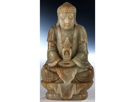 Feine Jadefigur eines Buddhas
