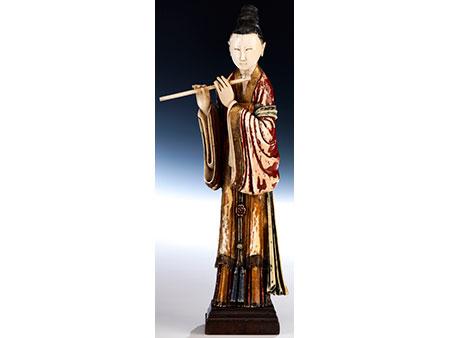Figur einer flötenden Dame