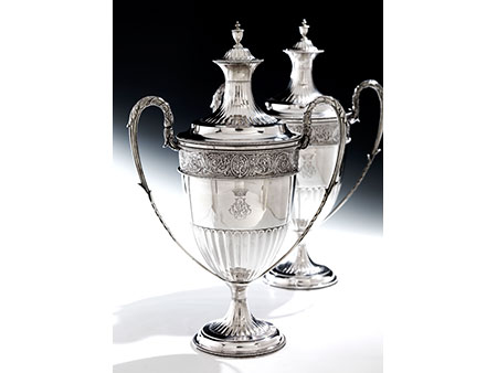 Paar große Londoner Deckelgefäße aus Silber