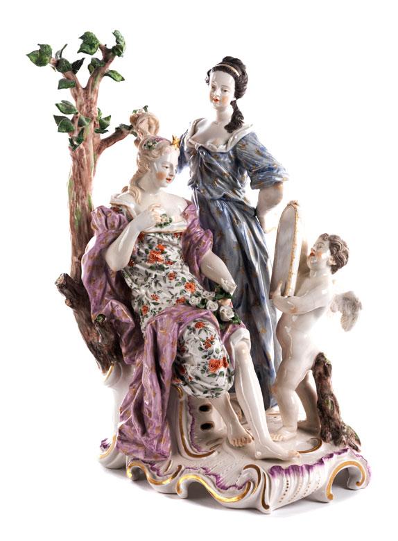 Große Porzellanfigurengruppe mit Toilette der Venus
