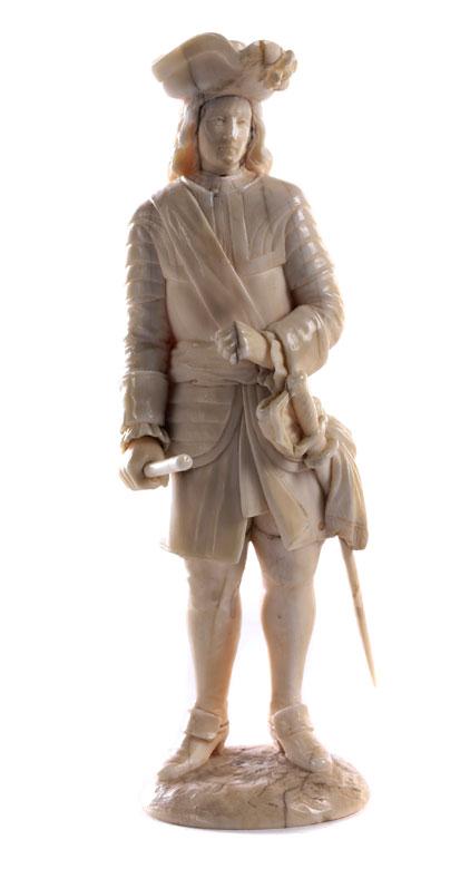 Elfenbeinfigur eines Edelmannes