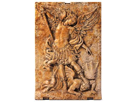 Flachrelief mit dem Erzengel Michael, der den Teufel besiegt