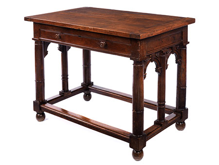 Schöner Renaissance-Tisch